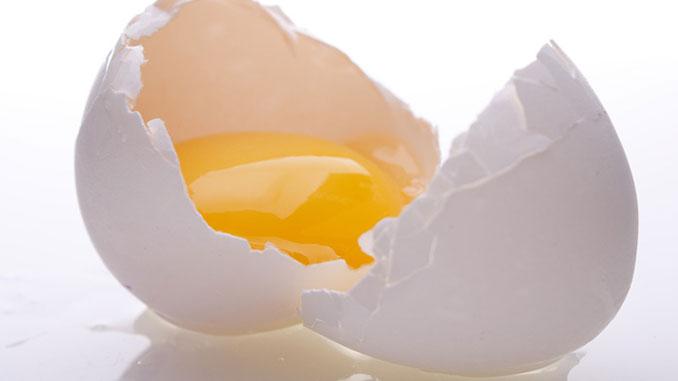 En Glad påsk blir det med ägg.